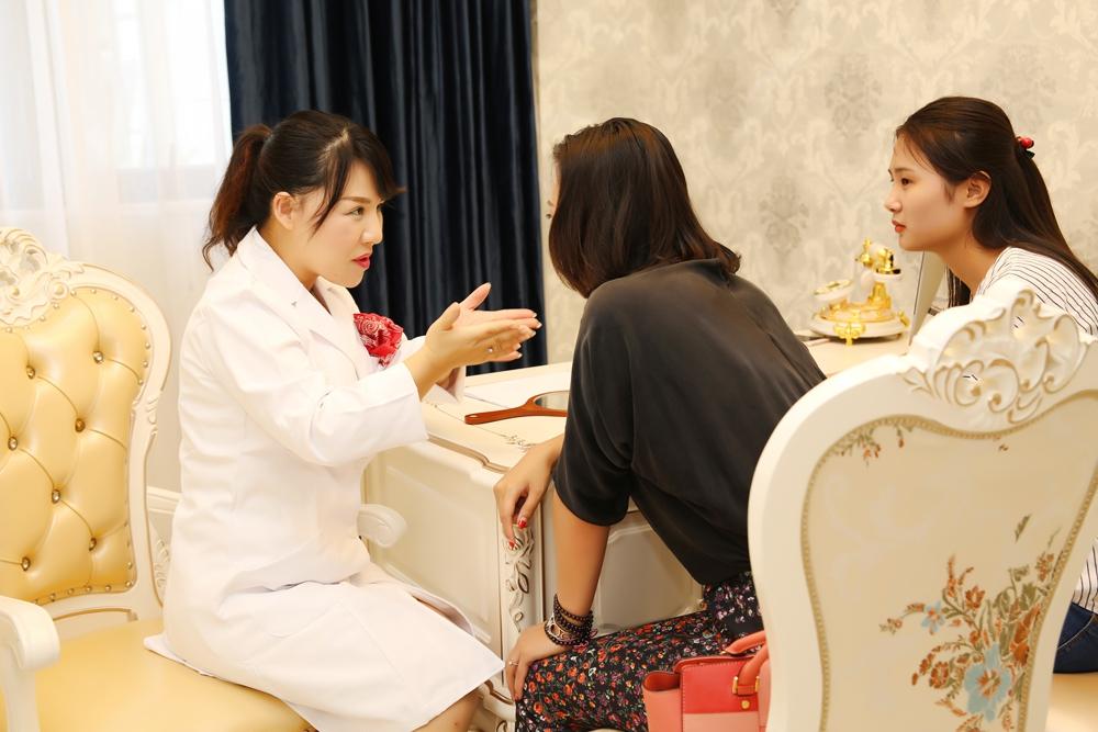 郑州华领医疗美容医院环境图3